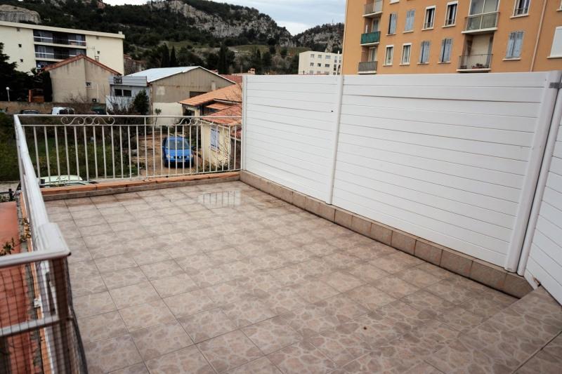 Location appartement Châteauneuf-les-martigues 678€ CC - Photo 8