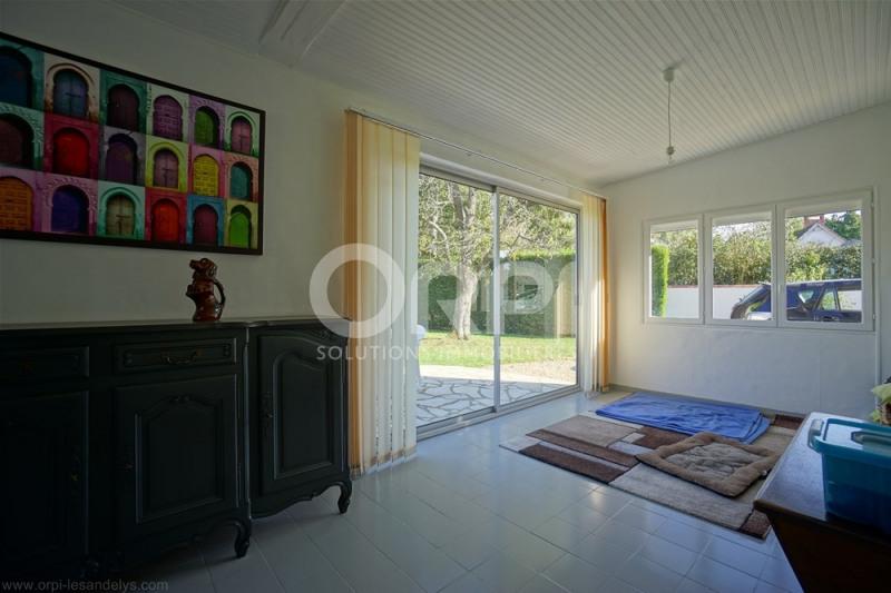 Sale house / villa Saint-clair-sur-epte 220000€ - Picture 6