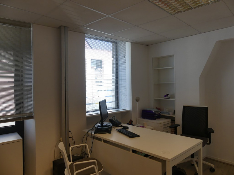 Location local commercial Pont l abbe 756€ HC - Photo 3