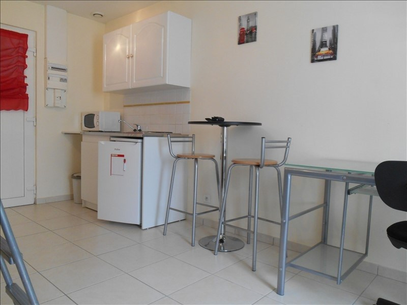 Location appartement Sainte savine 360€ CC - Photo 2