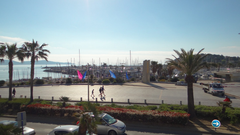 Vacation rental apartment Cavalaire sur mer 1 300€ - Picture 1