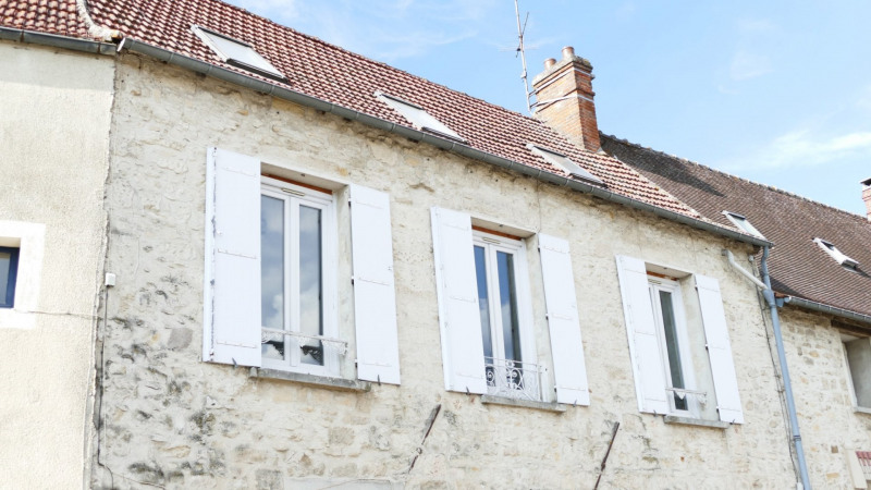 Vente immeuble Senlis 374 000€ - Photo 1