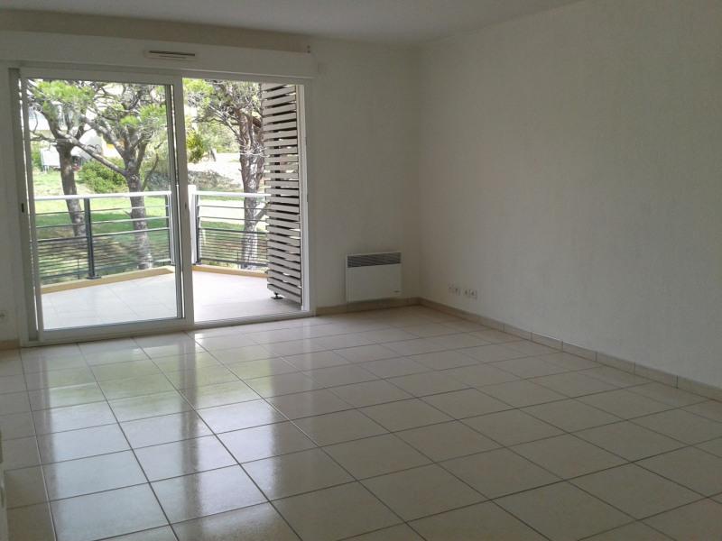 Rental apartment Fréjus 770€ CC - Picture 1
