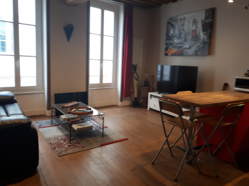 vente appartement 2 pi ce s bourg en bresse 43 m avec 1 chambre 77 000 euros agence. Black Bedroom Furniture Sets. Home Design Ideas