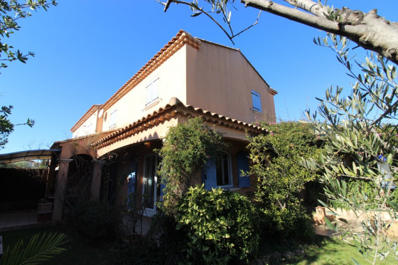 Vente maison / villa Hyeres 420 000€ - Photo 4