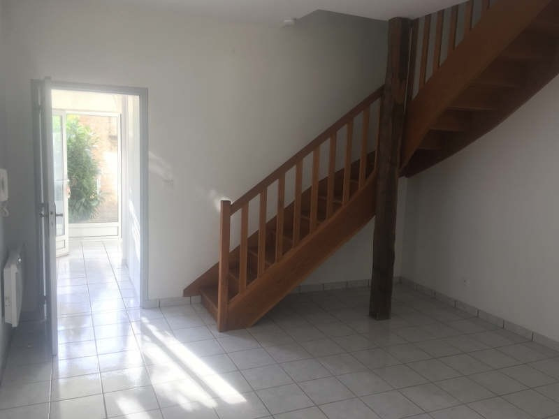 Location appartement Poitiers 554€ CC - Photo 4