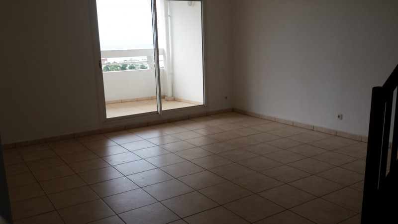 Location appartement St denis 1 380€ CC - Photo 2