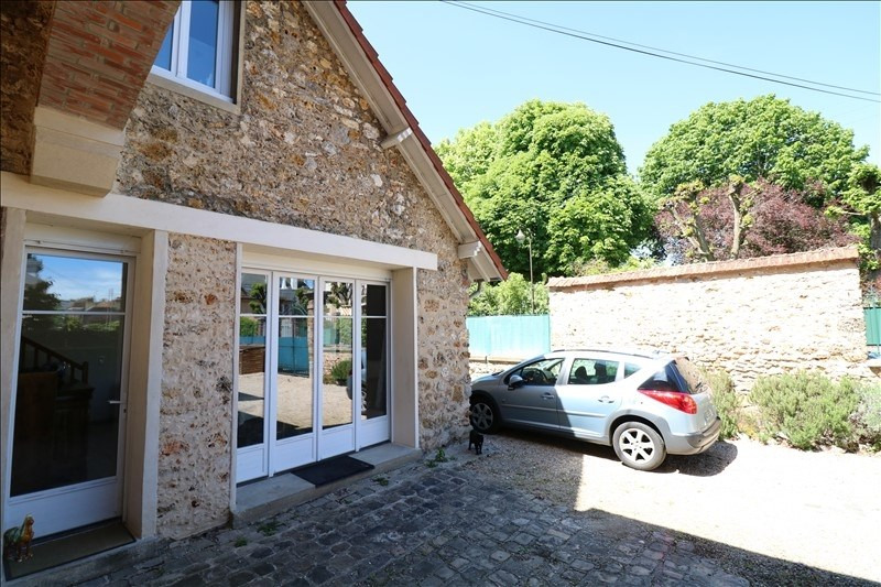 Rental house / villa Le chesnay 2 120€ CC - Picture 1