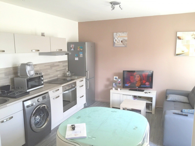 Rental apartment Neuilly centre ville 560€ CC - Picture 1