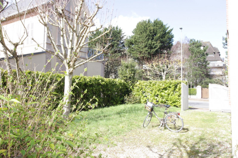 Revenda residencial de prestígio casa Deauville 650000€ - Fotografia 5