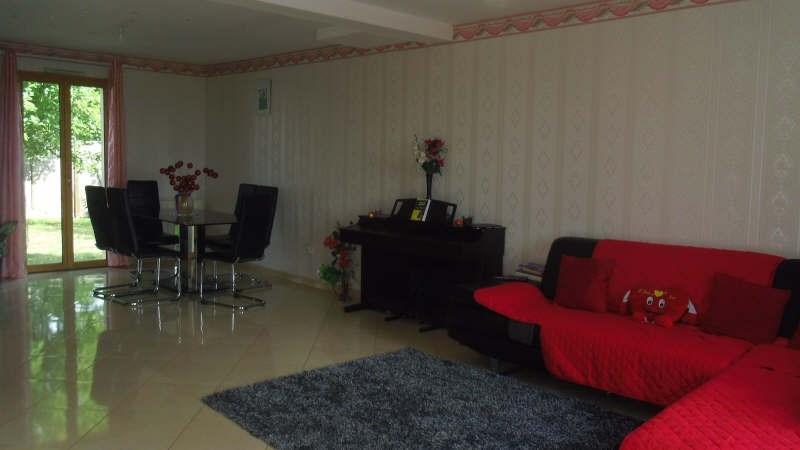 Sale house / villa Servon 376000€ - Picture 2