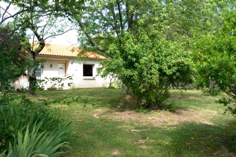 Sale house / villa Challans 238200€ - Picture 2