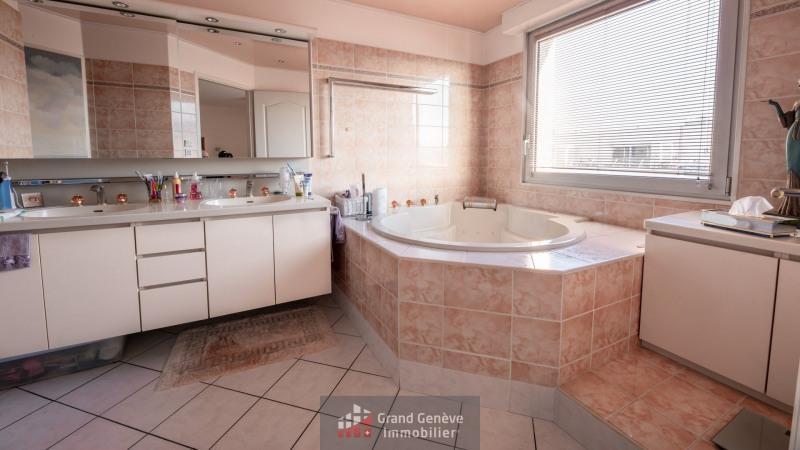 Deluxe sale apartment Annemasse 780000€ - Picture 4