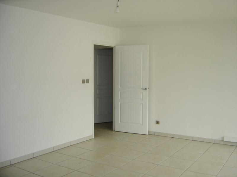 Rental apartment Saint denis 610€ CC - Picture 6