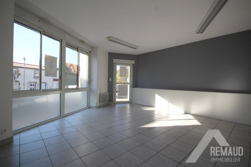 Location local commercial Aizenay 550€ HT/HC - Photo 2