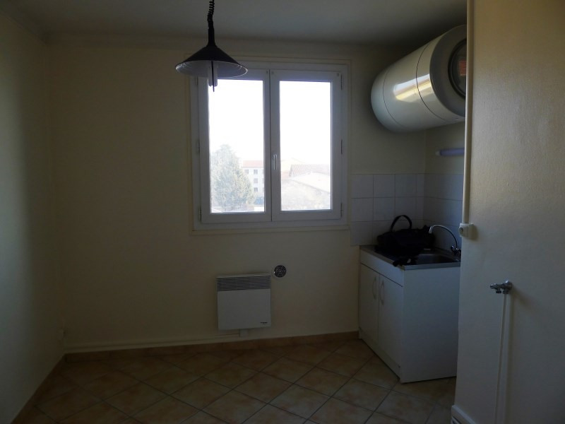 Rental apartment Oullins 670€ CC - Picture 3