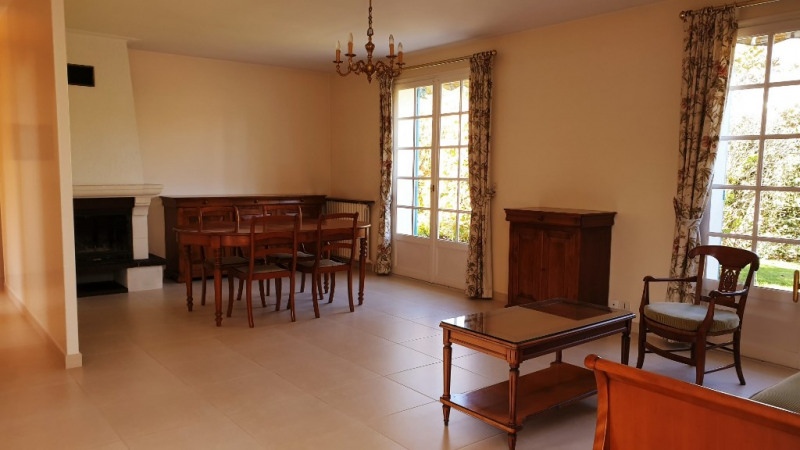 Sale house / villa Montfort-l'amaury 385 000€ - Picture 3