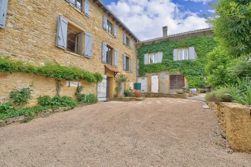 Deluxe sale house / villa Pouilly le monial 590000€ - Picture 2