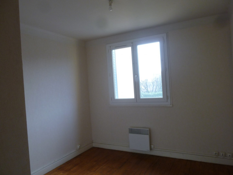 Rental apartment Saint-genis-laval 622€ CC - Picture 3