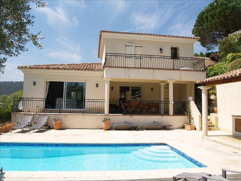 Deluxe sale house / villa Les issambres 925000€ - Picture 1