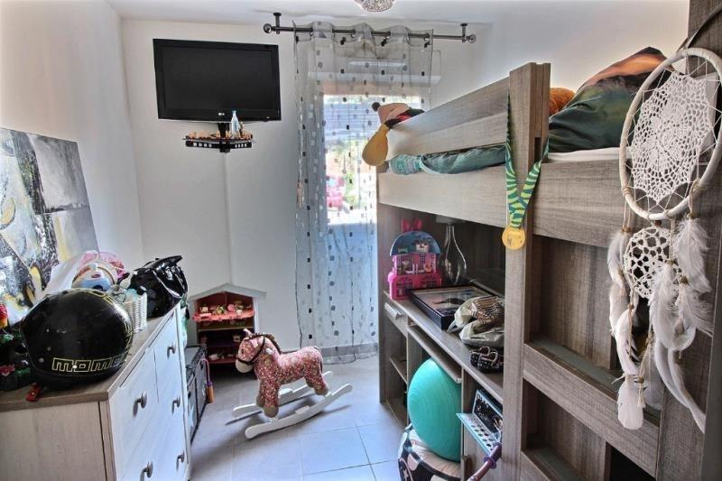 Sale apartment Gardanne 220000€ - Picture 3