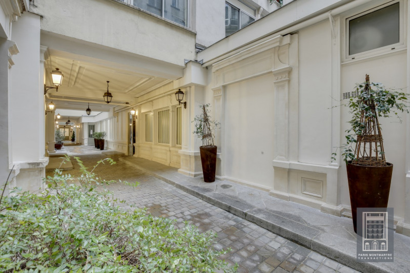 Deluxe sale apartment Paris 9ème 1 590 000€ - Picture 3