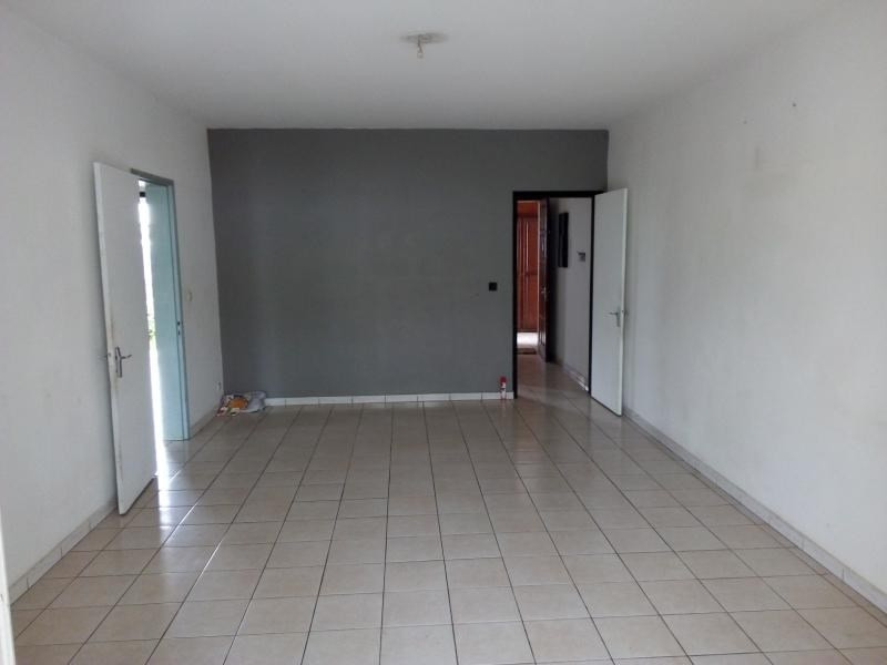 Rental apartment Le tampon 527€ CC - Picture 2