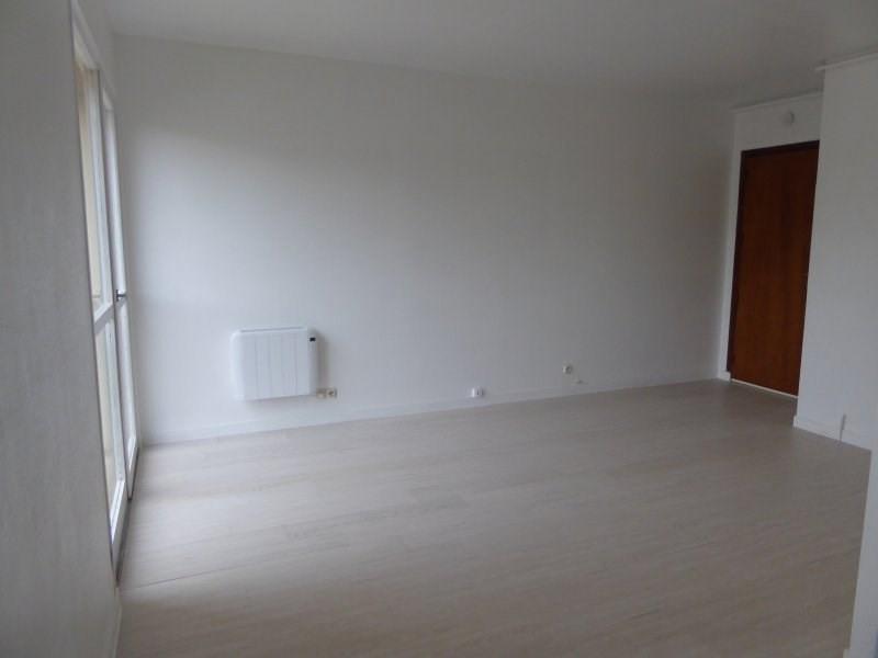 Rental apartment Maurepas 599€ CC - Picture 3