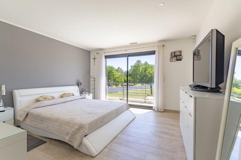 Verkauf von luxusobjekt haus St cannat 1378000€ - Fotografie 12