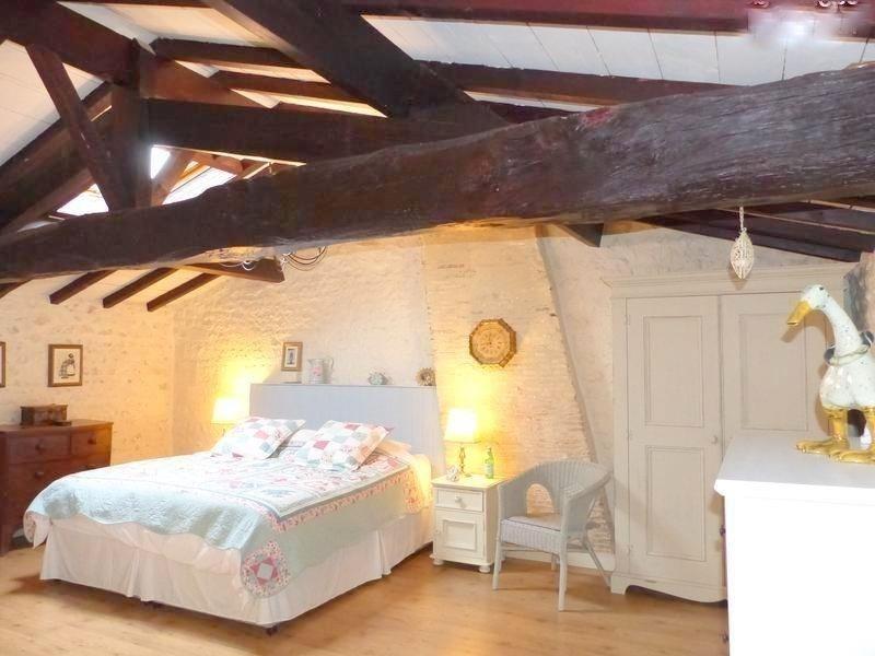 Sale house / villa St andre de cubzac 388500€ - Picture 6