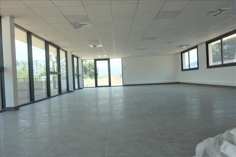 Location local commercial Aubagne 2 900€ HT/HC - Photo 4