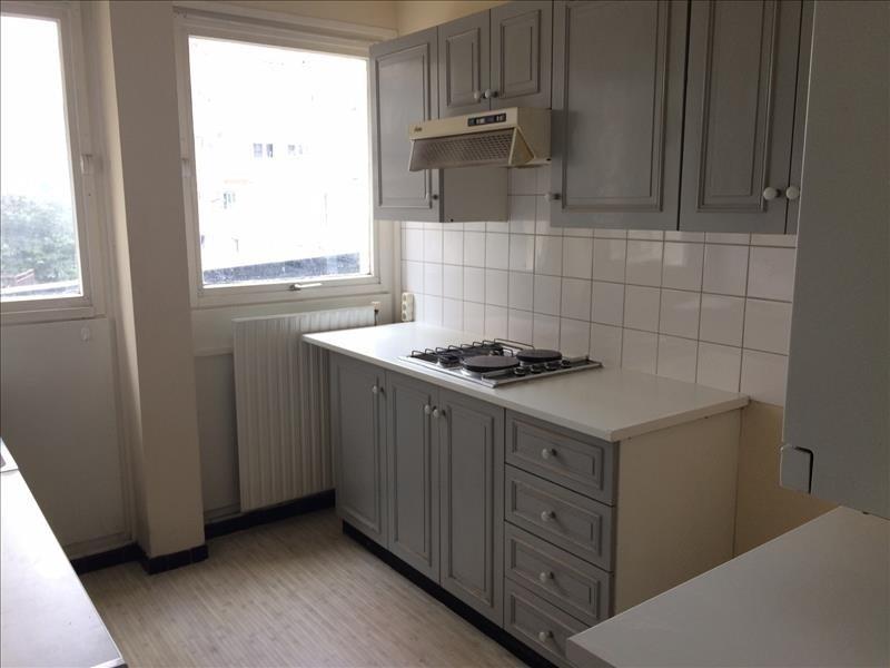 Rental apartment Maurepas 726€ CC - Picture 2