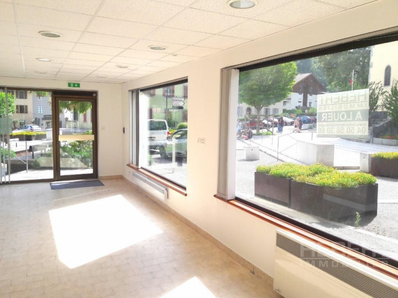 Location boutique Sallanches 975€ CC - Photo 3