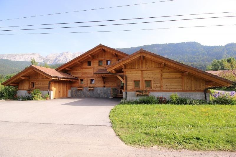 Deluxe sale house / villa Mont saxonnex 565000€ - Picture 1