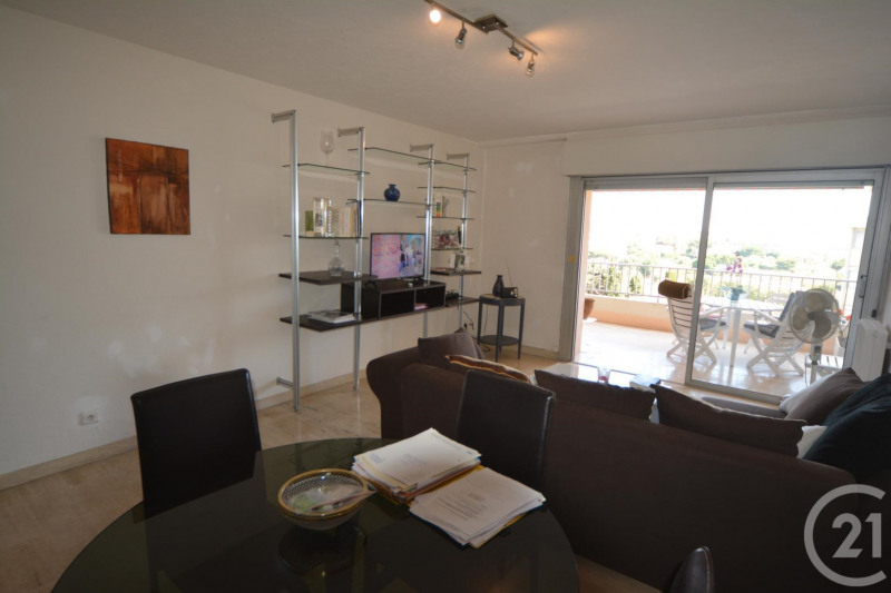 Sale apartment Antibes 244 000€ - Picture 2