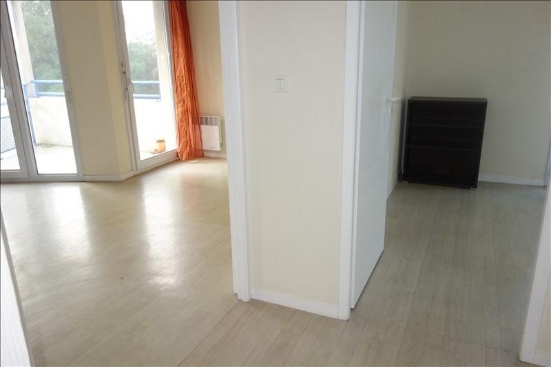 Sale apartment La roche sur yon 113000€ - Picture 2