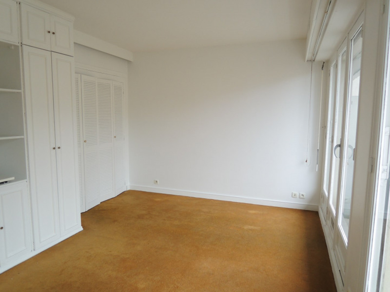 Sale apartment Paris 17ème 315 000€ - Picture 1