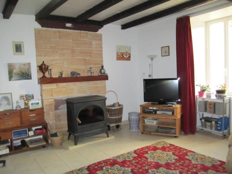 Sale house / villa Barbezieux-saint-hilaire 113 000€ - Picture 3
