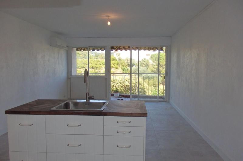 Sale apartment Cannes 107000€ - Picture 2