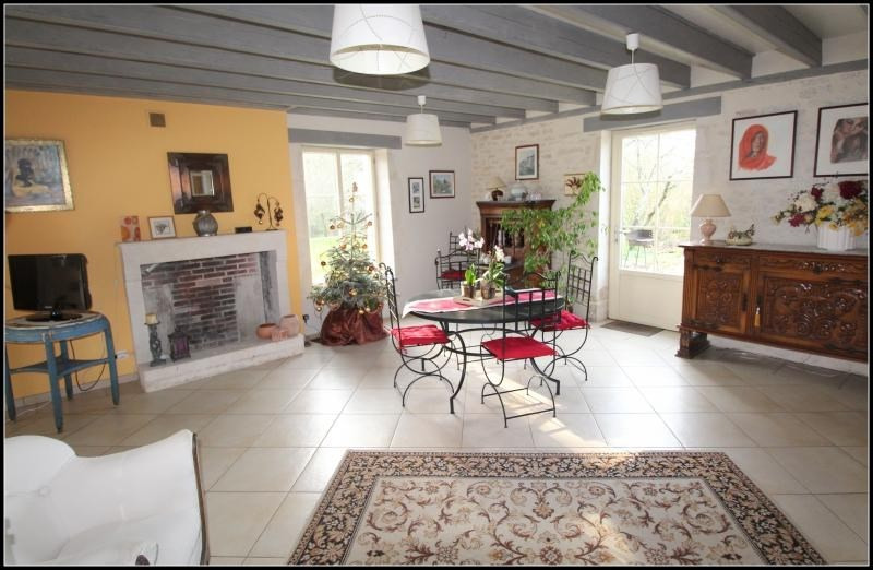 Sale house / villa Maille 400 000€ - Picture 1
