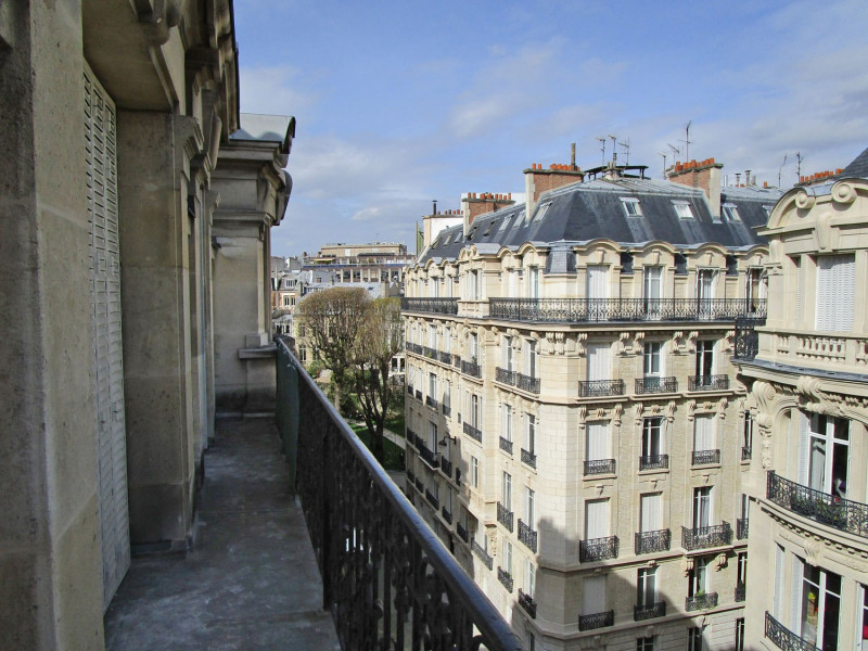 Location appartement Paris 9ème 5 545€ CC - Photo 1