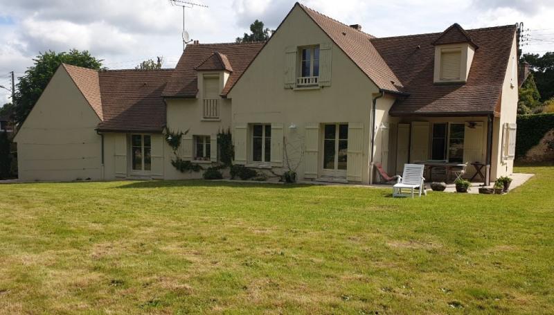 Sale house / villa Montfort-l'amaury 645000€ - Picture 1