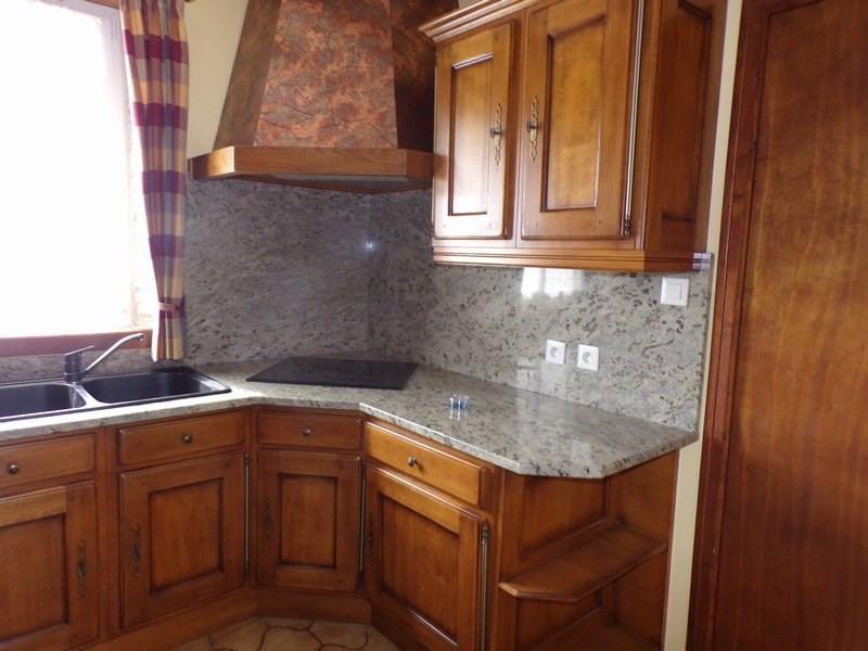Location maison / villa Surtainville 700€ CC - Photo 6