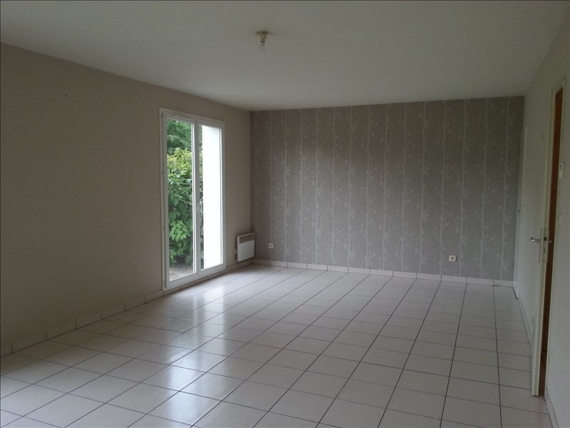 Location maison / villa St ouen 660€ CC - Photo 12