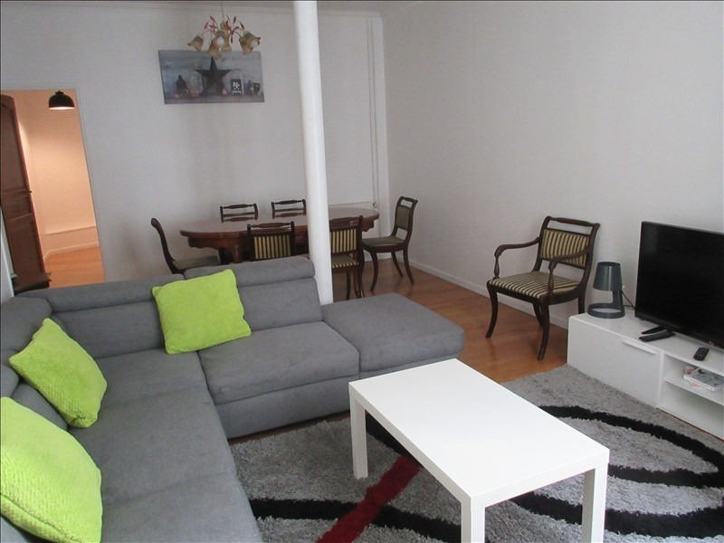Sale apartment Paris 10ème 890 000€ - Picture 2