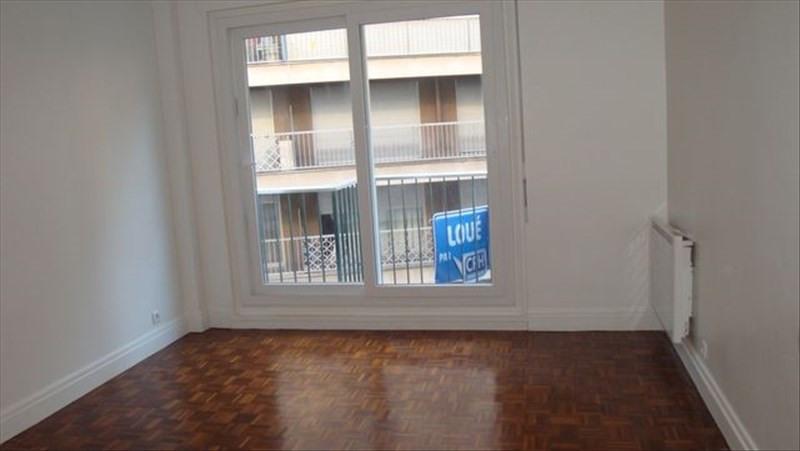 Location appartement Paris 15ème 1430€ CC - Photo 3