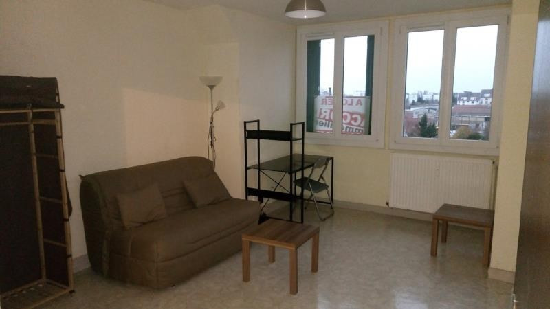 Location appartement Troyes 290€ CC - Photo 2