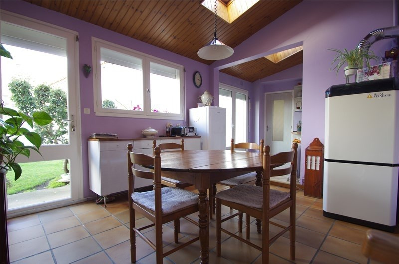 Sale house / villa Surgeres 248 000€ - Picture 4