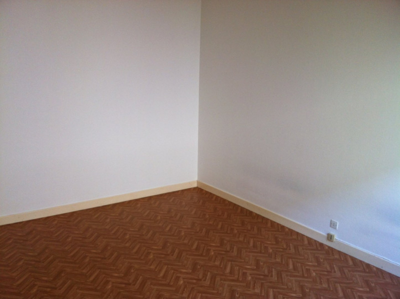 Rental apartment Aizenay 455€ CC - Picture 3