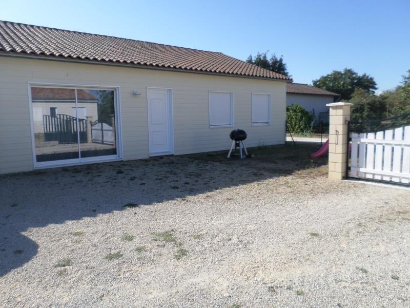 Location maison / villa Civaux 630€ CC - Photo 1